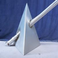 Kunstwerk – Piramide de inslag