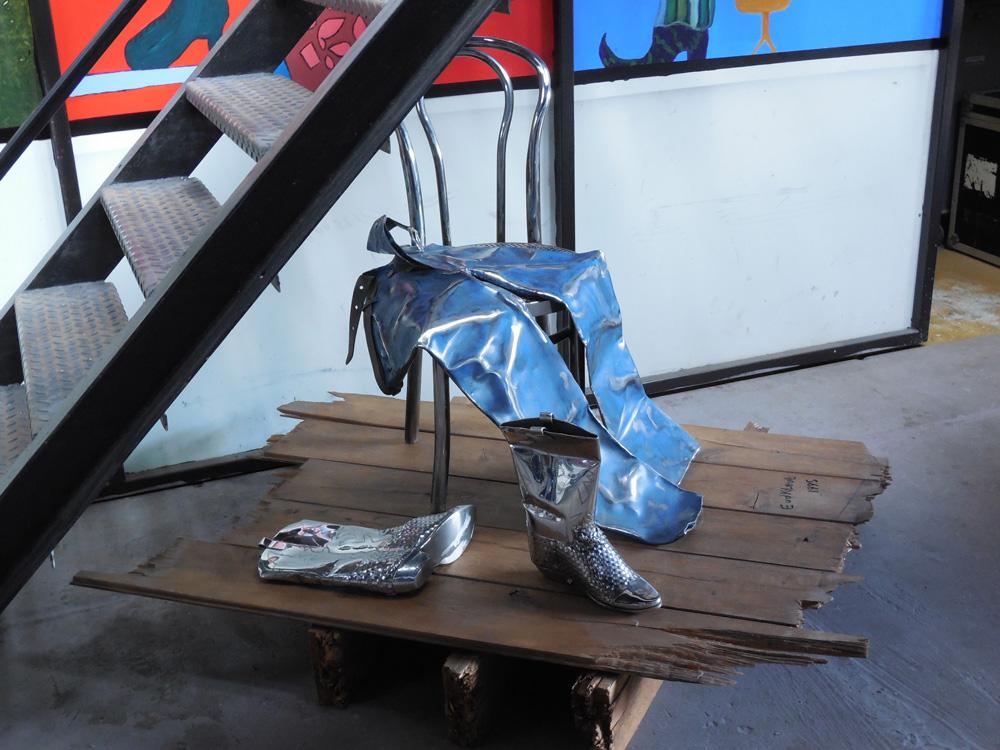 Kunstwerk - Spijkerbroek eenzaam