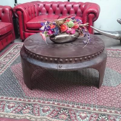Salon tafel van oud stoomvat