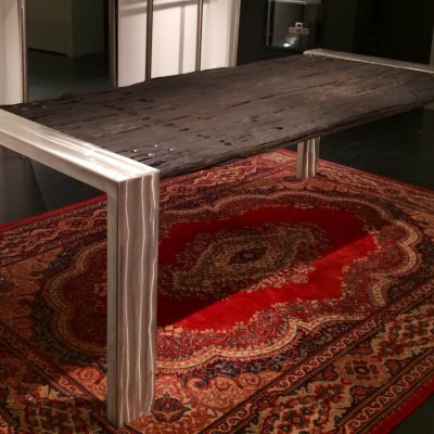 Rvs tafel met verbrandhout